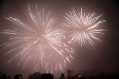 Schöne Feuerwerke an Nigeria-Fällen stockbild