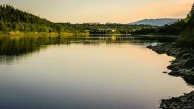Schöne Fjordküste in Norwegen stockbild