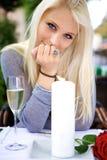 Schöne Frau auf einem Datum mit Ihnen Lizenzfreies Stockfoto