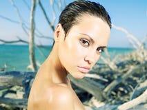Schöne Frau auf Strand Lizenzfreies Stockfoto