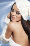 Schöne Frau in der warmen Kleidung Lizenzfreies Stockbild