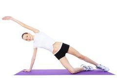 Schöne Frau, die aerobe Übungen tut Lizenzfreies Stockbild