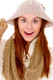 Schöne Frau, die warme Winterkleidung trägt Lizenzfreie Stockfotografie