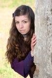 Schöne Frau in einem Herbstpark Lizenzfreie Stockfotos