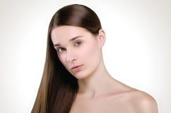 Schöne Frau Gerades langes Haar Stockfoto