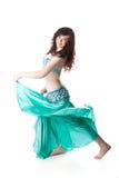 Schöne Frau im arabischen Tanz des Tanzens Stockfotografie