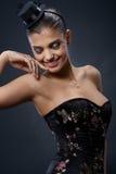 Schöne Frau im extravaganten Partykleid Stockbilder