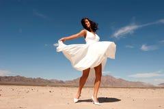 Schöne Frau im Kleid Lizenzfreies Stockfoto