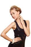 Schöne Frau im schwarzen Art und Weisekleid. lizenzfreie stockfotografie