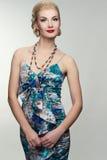 Schöne Frau im Sommerkleid Lizenzfreie Stockfotos