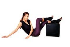 Schöne Frau im Sport kleidend für den Tanz lizenzfreie stockbilder