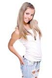 Schöne Frau in Jeans mit Hundeplakette Lizenzfreies Stockfoto
