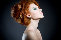 Schöne Frau mit dem herrlichen Haar Stockfotos