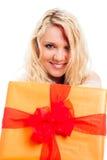 Schöne Frau mit Geschenkkasten Stockbilder