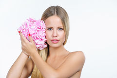 Schöne Frau mit gesunder Haut Lizenzfreie Stockfotografie