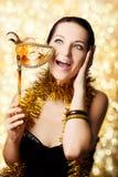 Schöne Frau mit Karnevalsschablone Lizenzfreie Stockfotografie