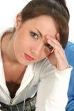 Schöne Frau mit Kopfschmerzen Stockbilder