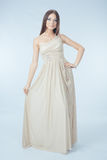 Schöne Frau mit modernem Kleid Lizenzfreies Stockbild