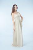 Schöne Frau mit modernem Kleid Stockbilder