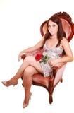 Schöne Frau mit Rot stieg. Stockbilder