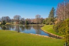 Schöne Gärten von Leeds Castle in England - KENT, VEREINIGTES KÖNIGREICH - 27. FEBRUAR 2019 lizenzfreies stockfoto