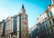 Schöne Gebäude auf europäischer Straße Stockbilder