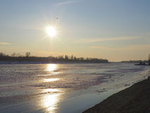 Schöne gefrorene Seelandschaft Stockbilder