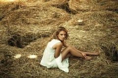 Schöne gelockte Frauen Stockfotos