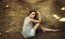 Schöne gelockte Frauen Stockfoto