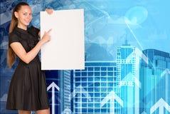 Schöne Geschäftsfrau im Kleid halten leer Lizenzfreie Stockbilder