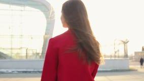 Schöne Geschäftsfrau stock footage