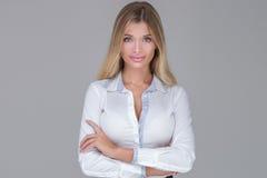 Schöne Geschäftsfrau im Studio Stockbild
