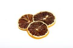 Schöne getrocknete Zitrone lokalisiert stockbilder
