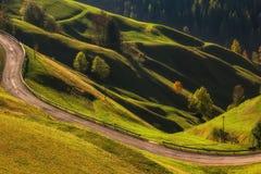 Schöne gewellte Wiesenlandschaftnahe gelegenes La Valle-La Val, Trentino Alto Adidge, Italien stockfoto