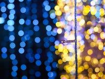 Schöne glänzende Weihnachtslichter stockbilder