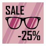 Schöne Gläser auf dem Hintergrund von purpurroten Streifen mit einem schwarzen Aufschriftrabatt von fünfundzwanzig Prozent Stockfoto