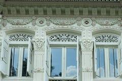 Schöne hölzerne Dekoration auf Haus in Singapur Lizenzfreies Stockfoto