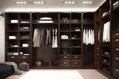 Schöne hölzerne horizontale Garderobe und Weg im Wandschrank stockfotografie