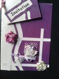 Schöne handgemachte Einladungskarte lizenzfreies stockfoto