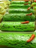 Schöne helle Kuchen am Eliseevskiy-Speicher in St Petersburg Stockfotos