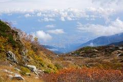 Schöne Herbstlandschaft in den Bergen von zentralen Alpen, Japan Lizenzfreies Stockfoto