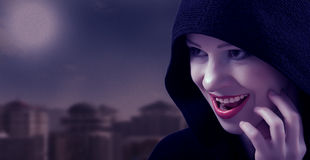 Schöne Hexe am Tag von Halloween Stockbild