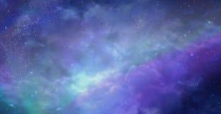 Schöne Himmel über Hintergrund lizenzfreies stockfoto