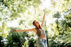 Schöne Hippie in der Natur Stockfoto