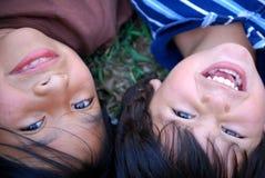 Schöne hispanische Kinder Lizenzfreie Stockfotos