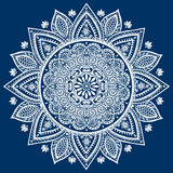 Schöne indische Blumenmandalaverzierung Lizenzfreie Stockbilder
