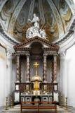 Schöne Innenansicht der Abteikirche in Floreffe Stockfotografie