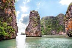 Schöne Inseln in Ozean Stockbilder
