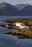 Schöne isländische Stadt Stockbilder