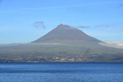 Schöne Isla Faial bei den Azoren Portugal und bei Pico lizenzfreies stockfoto